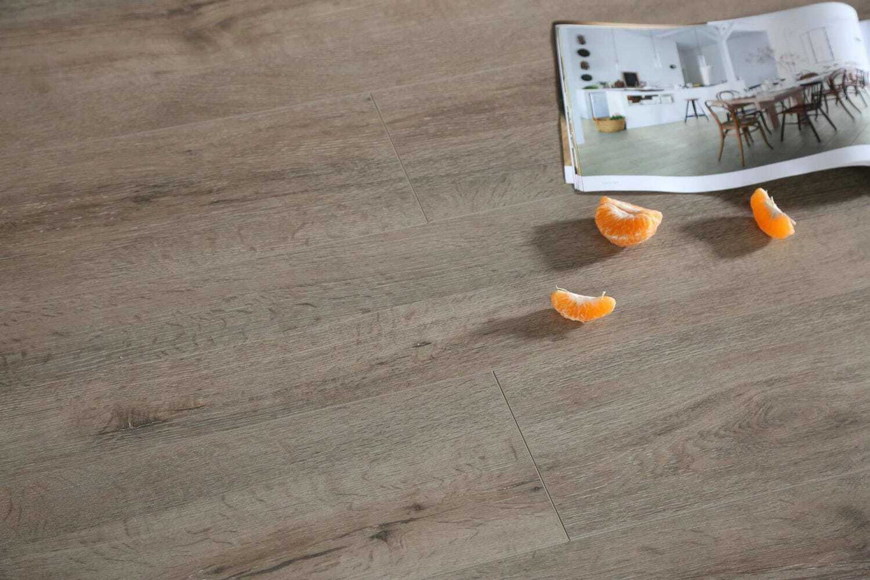 Legacy Oak Wide Amp Long Boards Laminate Floors